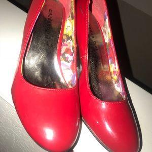Red madden girl heels 👠🔥